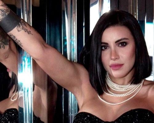 Nicoleta Nucă s-a operat în Turcia. Artista a scăpat de ochelari
